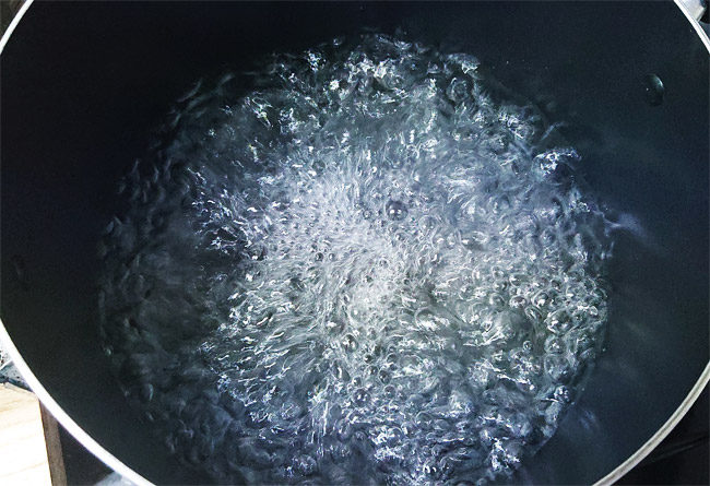 お湯をしっかり沸かしたら