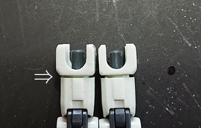 HGガンダム リバイブ 腕部は二の腕を削って(隙間が削った量)