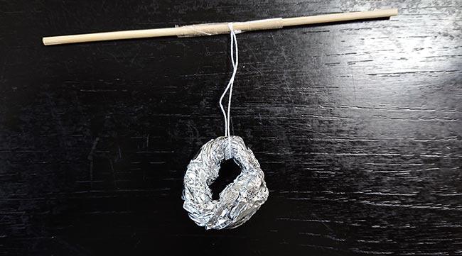 アルミホイルで作った輪
