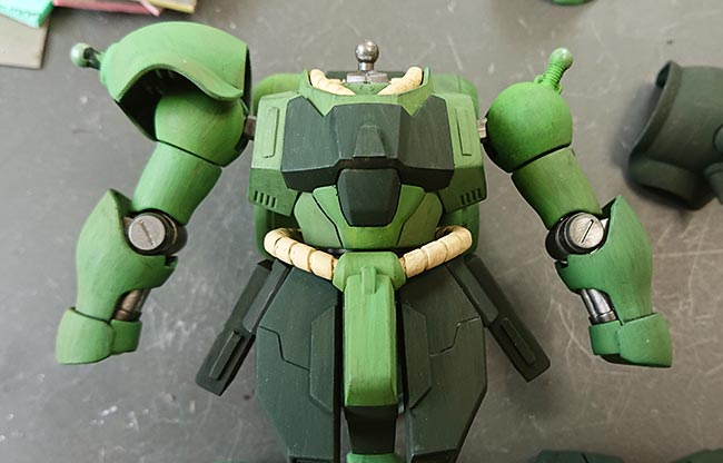 HGギラドーガ 胴体と腕