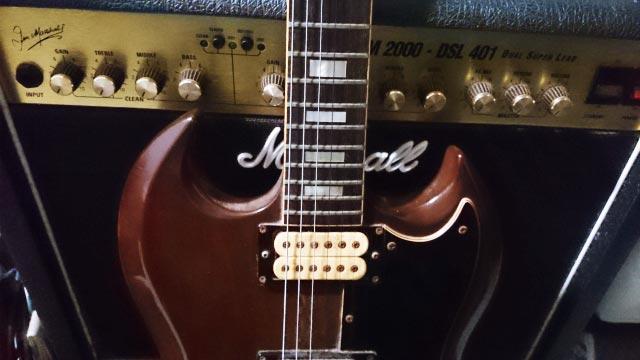 ギターとアンプ(写真ac様より)