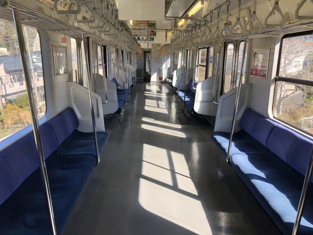 誰もいない電車